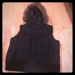 Black Gap Vest Size Large